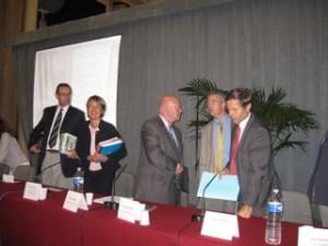 Jacques Leroy (Président du syndicat Marne Vive), Catherine Juan (Maire-Adjoint en charge du Développement durable et de l'écologie), André Santini (Président du comité de Bassin Seine-Normandie), Henri Plagnol (Maire de Saint-Maur des Fossés)