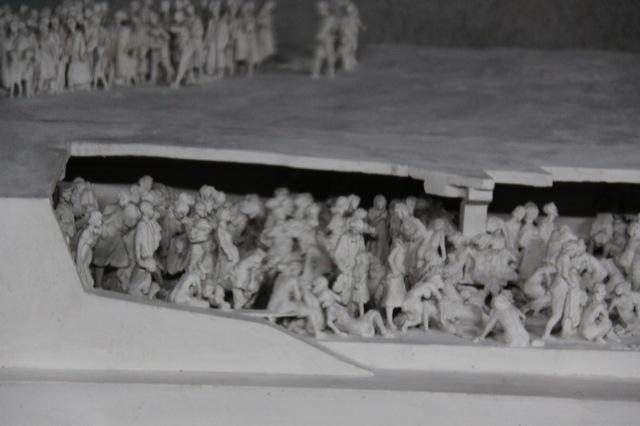 Auschwitz birkenau des lyc ens de saint maur en voyage for Auschwitz chambre a gaz